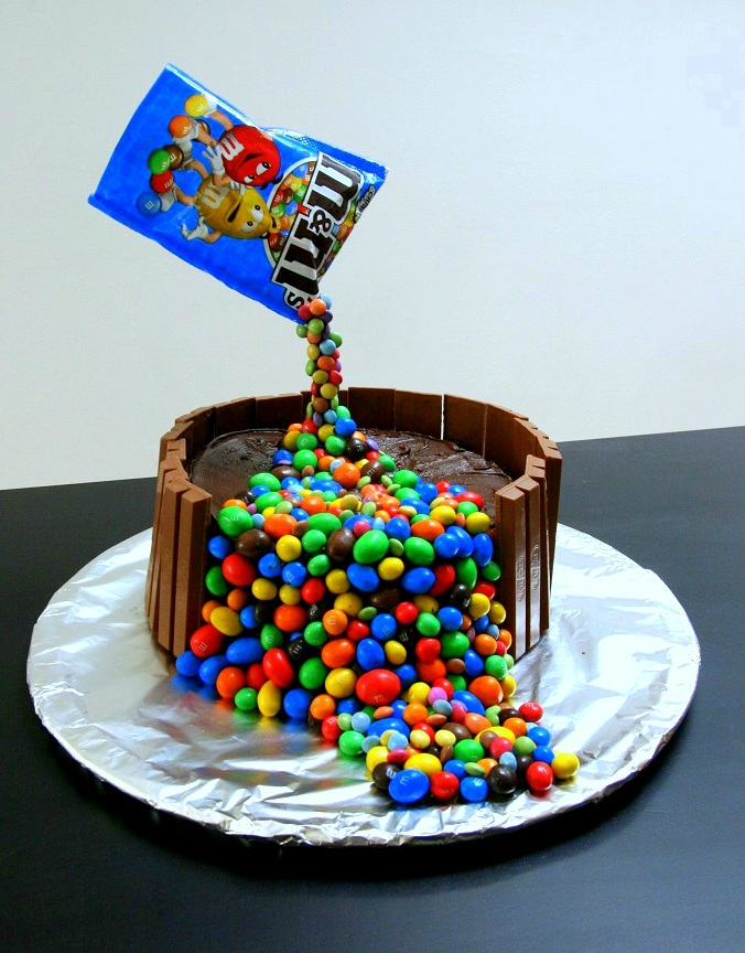 Gravity cake Smarties Candy